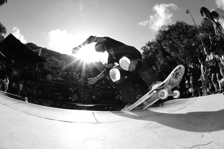 O legend Pat Ngoho, no Skate Generation, mandando um corrido boardslide. Foto: Haruo Kaneko