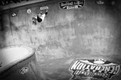 Com 10 anos, o australiano Keegan Palmer se diverte e impressiona no concreto e no mar. Foto: Heverton Ribeiro