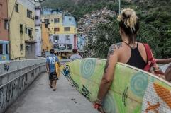 Deise Campos e Fernando Ramos (filho de Bocão), frutos da Rocinha Surfe Escola.