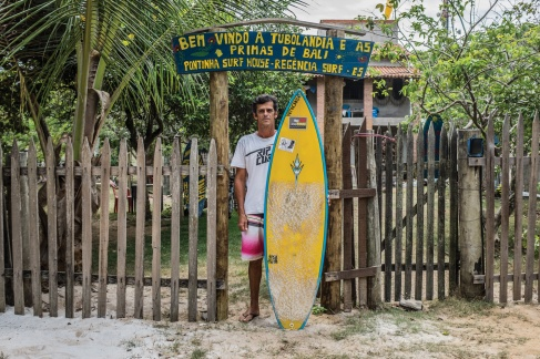 Em 2003, Robson Barros criou a pousada que deu início ao turismo de surf em Regência. (1/3)